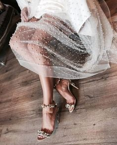 Tulle whimsy & sparkles // i want her legs // but since i'll take the dress too. Fashion Details, Look Fashion, Womens Fashion, Fashion Trends, 90s Fashion, Classy Fashion, High Fashion, Fashion Belts, Fashion Shoes