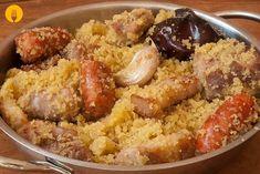 Gachasmigas o migas murcianas Spanish Kitchen, Spanish Food, Migas Recipe, Murcia, Couscous, Tapas, Sausage, Food And Drink, Rice