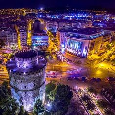 Hellas Inhabitants Of The Shiny Stone - The White Tower At Night, Thessaloniki, Greece. Travel And Tourism, Travel And Leisure, Holiday Destinations, Vacation Destinations, Wonderful Places, Beautiful Places, Macedonia Greece, Greece Thessaloniki, Inspiration Entrepreneur