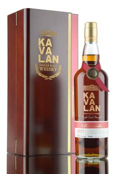 Released in 2016 under the Kavalan Solist range is this beautiful Taiwanese single malt whisky, matured in a cask that previously held Manzanilla sherry. 561 bottles drawn from barrel at 57.8%.