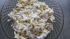 Surówka z białej rzodkwi i ogórków kiszonych Coconut Flakes, Grains, Spices, Food, Polish Food Recipes, Spice, Essen, Meals, Seeds