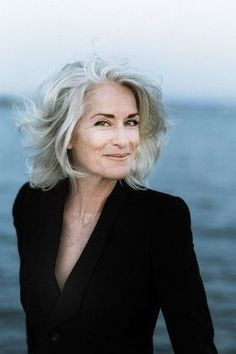 hair hair Related posts: Ombre Hair Color Trends – Is the Style Silver Trend to silver hair: 51 cool gray hair colors and tips for … Long Gray Hair, Silver Grey Hair, White Hair, Curly Gray Hair, Grey Hair Over 50, Brown Hair, Hairstyles Over 50, Mature Women Hairstyles, Choppy Hairstyles