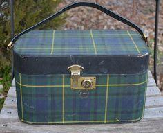 Vintage Tartan Plaid Train Case Suitcase - Scottish or English Polohouse #EnglishCountry #nancysdailydish #tartan #scottish #equestriandecor