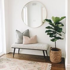 Interior design is even more fun with modern interior inspiration. Home Living Room, Living Room Designs, Living Room Decor, Bedroom Decor, Living Room Bench, Living Room With Plants, Bedroom Furniture, Bedroom Ideas, House Rooms