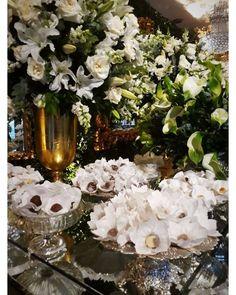 Apreciando essas forminhas clarinhas e lindas para o casamento de ���� Marianna e Samyr @marineuwirth Buffet @muranobuffet Cerimonial @gilsaldanha Decoração @furquimandre Fotos @vicentebarros_  #forminhas #doces #evento #cgms #noivas #weddingdress #formas #amor #love #cgms http://gelinshop.com/ipost/1518855161760616669/?code=BUUDrjuApDd