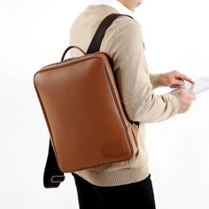Mochi Things Basic Square Leather Backpack