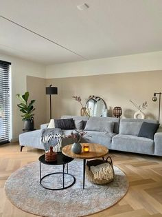 Living Room Colors, Small Living Rooms, Living Room Grey, Home And Living, Lights For Living Room, Living Room Wooden Floor, Contemporary Living Rooms, Cool Living Room Ideas, Apartment Living Rooms
