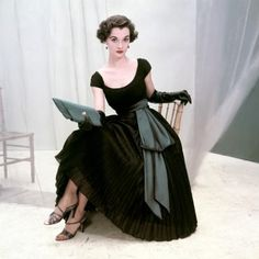 Who says you can't do vintage in black? Frock by Rappi, photographer Frances McLaughlin-Gill, 1952