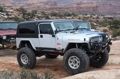 Built 2004 Jeep Wrangler Unlimited LJ - Pirate4x4.Com : 4x4 and Off-Road Forum