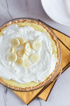 RECIPE: Banana Cream Pie from www.sprinkledsideup.com — Border Napkins from west elm
