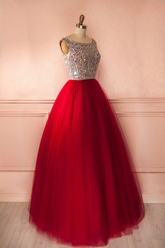 Robe de bal longue tulle rouge buste brodé cristaux dos ouvert - Maxi red tulle dress crystals embroidered bust open-back
