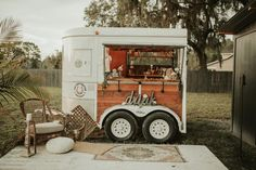 Seminole entrepreneur turns an old horse trailer into a mobile bar Coffee Carts, Coffee Truck, Converted Horse Trailer, Mobile Coffee Shop, Coffee Trailer, Food Trailer, Catering Trailer, Concession Trailer, Food Truck Design