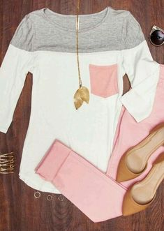 Love this whole outfit! Cute colored jeans for spring!