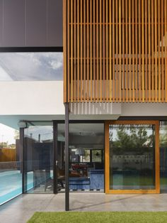 Layering Finishes - Hope Street Geelong West / Steve Domoney Architecture
