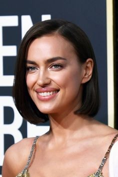 Modern Bob Haircuts And Hairstyles For 2019 Inverted Bob Haircuts, Best Bob Haircuts, Curly Bob Hairstyles, Bradley Cooper, Modern Bob Haircut, Blonde Balayage Bob, Bobs For Thin Hair, Hot Hair Styles, Naturally Curly Bob