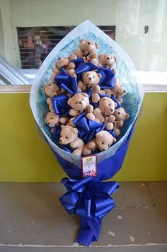 Bouquet of 12 Tiny Bears