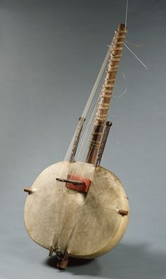 3. The main instrument in Mali is the Kora. Music varies through the cultures of Mali, but they have the same kind  of African traditional music all over the country.