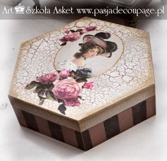szkatułka z damą i krakelurą Painted Boxes, Wooden Boxes, Hand Painted, Decoupage Box, Decoupage Vintage, Shabby Chic Crafts, Vintage Shabby Chic, Diy And Crafts, Arts And Crafts
