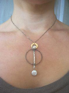 Collar de péndulo, joyería Industrial, collar de metales mixtos, agua dulce collar de perlas.