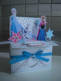 Carte Pop Up Reine des Neiges, Pop Up Card Frozen Vous l'aurez compris, j'adore les cartes Pop Up!!! Déclinables à l'infini pour tous les styles et pour toutes les occasions! A bientôt!