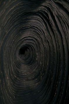 Black   黒   Kuro   Nero   Noir   Preto   Ebony   Sable   Onyx   Charcoal   Obsidian   Jet   Raven   Color   Texture   Pattern   Styling   Plumes & Feathers @ Tumblr   Abstract   Circles   Layers