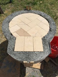 Wood fired pizza oven made with an exercise ball – DIY projects for everyone! Build A Pizza Oven, Diy Pizza Oven, Pizza Oven Outdoor, Pizza Ovens, Outdoor Kitchen Bars, Backyard Kitchen, Outdoor Kitchens, Modern Kitchens, Outdoor Rooms