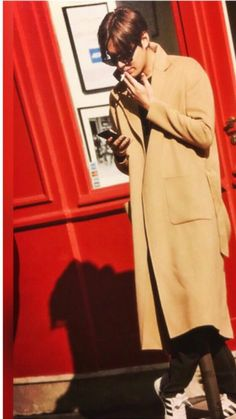 """2016Jan15 #PHOTOBook 【写真】[HERE] """"I Was Here, I Am Here""""  #Anniversary : 9 Years as #Actor #Fashion #Style #Trend #Korean #Actor #LeeMinHo #李敏鎬  (Photo Shooting Location: #Paris #巴黎 #FRANCE  #法国  [ Photo Source: #Minoz )  P-23A-01  [Post: 08 March 2016] Jung So Min, Asian Actors, Korean Actors, Lee Min Ho Pics, Lee And Me, James Lee, Korean Drama Quotes, Books 2016, Ji Chang Wook"""