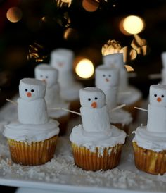 Snowman Cupcakes-Great for kid's winter birthday Snowman Birthday Parties, Snowman Party, Snowman Cupcakes, Winter Birthday, Christmas Cupcakes, Christmas Desserts, Holiday Treats, Christmas Treats, Christmas Baking