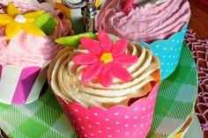 Alex im Cupcake Wahnsinn . . . . . . . . 3. Teil, Bananen-Erdbeer Cupcakes Desserts, Food, Biscuits, Pies, Kuchen, Homemade, Madness, Tailgate Desserts, Dessert