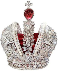 The Great Imperial Crown of Russia. Made for Catherine the Great for her coronation in The crown is encrusted with diamonds, rows of natural pearls and surmounted by the red spinel of Peter the Great. On display in Diamond Fund, Moscow Kremlin. Royal Crowns, Royal Tiaras, Crown Royal, Tiaras And Crowns, Catherine La Grande, Imperial Crown, Catherine The Great, Bow Necklace, Royal Jewelry