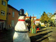 Boa tarde :D A Praça Municipal de Arcos de #Valdevez nesta quadra natílicia - http://ift.tt/1MZR1pw -