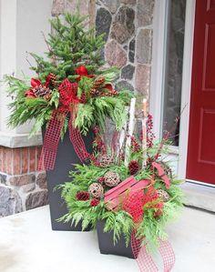 Holiday Hooplah! sur Pinterest | Décoration De Chalet, Papier Sulfurisé et Arrangements Floraux De Noël