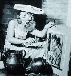 Photo of the Polish artist Tamara de Lempicka (1896-1980) at work in her studio in de 1930s