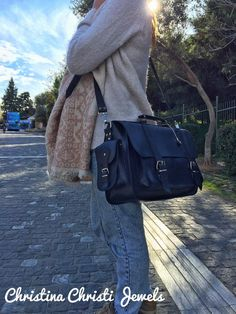 Handmade leather briefcase made from genuine leather in black color decorated with a unique key ring. Black Leather Messenger Bag, Black Leather Briefcase, Messenger Bags, Briefcase Women, Laptop Briefcase, Laptop Bag For Women, Leather Bags Handmade, Bag Making, 3 D