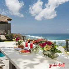 Villa Karang Putih, is spread on a sprawling land of 13,500 square metres on a cliff surrounded by #tropical foliage and is set against a stunning backdrop of the Indian #Ocean.  www.geriabalivacation.com/ocean-villa-karang-putih/  #bali #geriabali #luxury #roomcritic #beautifuldestinations #travellerworld #destinosmaravilhososbyeli #luxwt #holiday #honeymoon #vacation #tbt #thegoldlist #balivilla #baliholiday #discount #spesialoffer #trip #hgtv #theluxurylifestylemagazine #ootd…