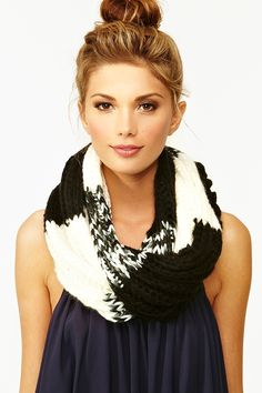 Scarf!! <3 love the print