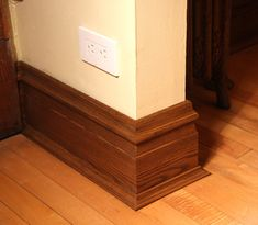 Baseboard Styles Gallery – You Homeowner MUST Know This! Looking for baseboars styles that'll make your house perfect from up to bottom? Visit this website! Wood Baseboard, Modern Baseboards, Baseboard Styles, Baseboard Molding, Baseboard Ideas, Bedford House, Craftsman Trim, Moldings And Trim, Crown Moldings