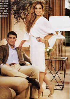 Maria José Campanario lleva #pulsera y #pendientes de Rocio Porres Joyas
