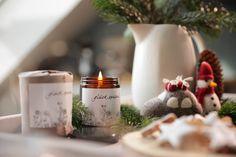Handgefertigte Kerzen aus Biobienenwachs. Hergestellt in Österreich. Ein natürlicher Duft der jedes Zuhause gemütlich macht. Ein schönes Gastgeschenk oder Weihnachtsgeschenk. Handmade candles from organic beeswax. Made in Austria. A natural scent that makes every home cosy. A nice guest gift or Christmas present. #hyggehome #christmas #hyggezuhause #weihnachten #weihnachtsgeschenk Candle Jars, Candles, Thanksgiving, Table Decorations, Home Decor, Handmade Candles, Dekoration, Gifts For Women, Guest Gifts