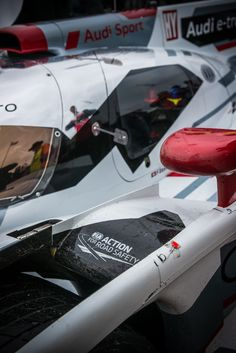 E-Tron Hybrid Le Mans racer. Gt Cars, Race Cars, Nascar, Audi Motorsport, Audi R18, Sports Car Racing, Road Racing, 24 Hours Le Mans, Cars