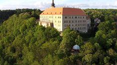 Česká republika - tady jsem doma... Mansions, House Styles, Home Decor, Decoration Home, Manor Houses, Room Decor, Villas, Mansion, Home Interior Design