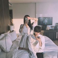 Image discovered by ㅇㅅㅇ. Find images and videos about love, style and couple on We Heart It - the app to get lost in what you love. Couple Ulzzang, Ulzzang Korean Girl, Couple Aesthetic, Korean Aesthetic, Cute Couples Goals, Couple Goals, Ullzang Boys, Korean Couple, Korean Fashion Trends