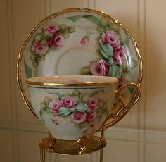 ~ Pretty Cup & Saucer ~   athomewithelizabethgary.blogspot.com