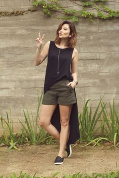 looks-minimalistas-com-maxi-tee-tshirt-regatão-camiseta-longa Girly Outfits, Short Outfits, Trendy Outfits, Cool Outfits, Fashion Outfits, Womens Fashion, Moda Minimal, Maxi Tee, Minimal Fashion
