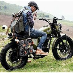 Custom Culture Bobber & Chopper Motorcycles Style, Tattoo and Fashion / Clothing Inspirations Scrambler Motorcycle, Moto Bike, Motorcycle Style, Biker Style, Motorcycle Touring, Motorcycle Camping, Women Motorcycle, Motorcycle Quotes, Motorcycle Helmets