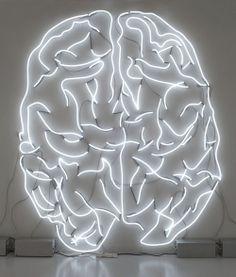 脳みその形をしたネオン | @Atsuhiko Takahashi (アットトリップ)  (via http://attrip.jp/121737/ )