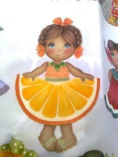 Niña naranja