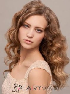 Chic Blonde Hair Highlights Ideas - Add warmth and shine to your lifeless locks with these chic blonde hair highlights. Prepare for summer with a gorgeous beauty update. Winter Hairstyles, Curled Hairstyles, Overnight Hairstyles, Newest Hairstyles, Hair Color For Fair Skin, How To Curl Short Hair, Blonde Hair With Highlights, Balayage Highlights, Balayage Hair