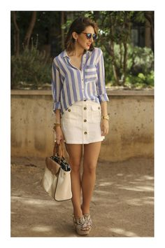 Looks con Faldas Abotonadas Estilo Pin Up, Denim Skirt, Mini Skirts, Jeans, Fashion, Jean Dresses, Blouses, Moda, Fashion Styles