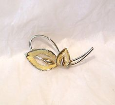 Your place to buy and sell all things handmade Gemstone Jewelry, Gold Jewelry, Vintage Jewelry, Floral Pins, Antique Brooches, Calla Lily, Vintage Signs, Bond, Rocks